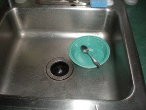 sink with dish in it, things that piss mom off, things that irritate moms, the reason moms go ballistic