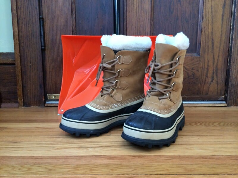 what do Minnesotan wear on their feet when it's really cold outside, best boots for cold weather, Sorel boots,