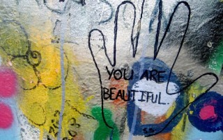 compliment freely