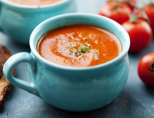 Homemade Tomato Soup – Super Easy & Delicious!
